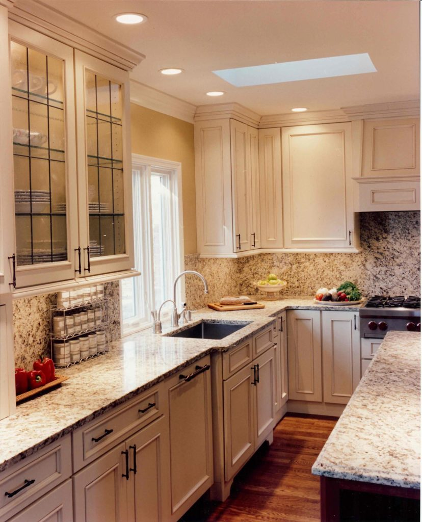 traditional kitchen island wood floor